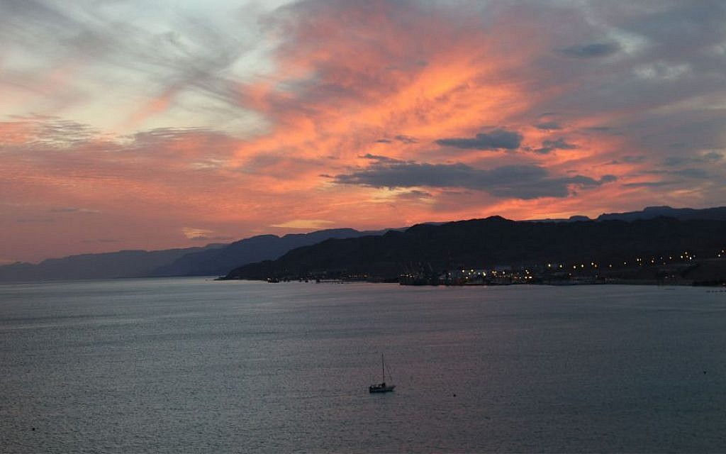 The sunset over the Red Sea and Eilat. (Shmuel Bar-Am)