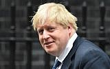 British Foreign Secretary Boris Johnson leaves the weekly meeting of the cabinet at 10 Downing Street in central London,  January 31, 2017. (AFP/Glyn KIRK)
