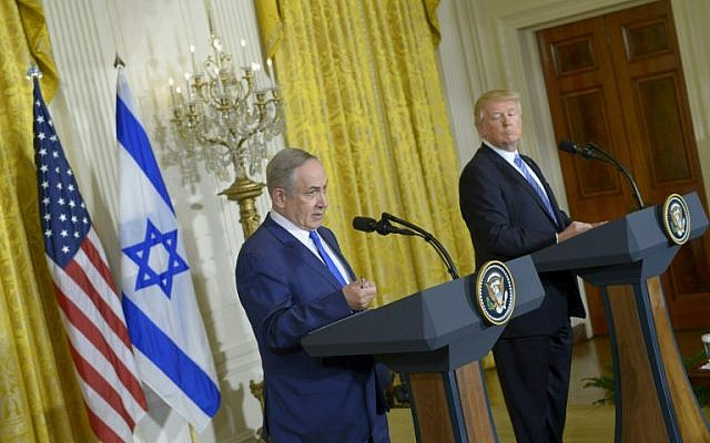 US President Donald Trump and Prime Minister Benjamin Netanyahu hold a joint press conference at the White House in Washington, DC February 15, 2017 (AFP PHOTO / Mandel Ngan)