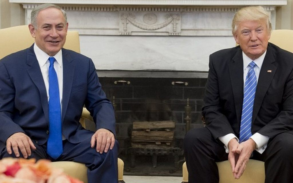 US President Donald Trump and Israeli Prime Minister Benjamin Netanyahu hold a meeting in the Oval Office of the White House in Washington, DC, February 15, 2017. (AFP Photo/Saul Loeb)