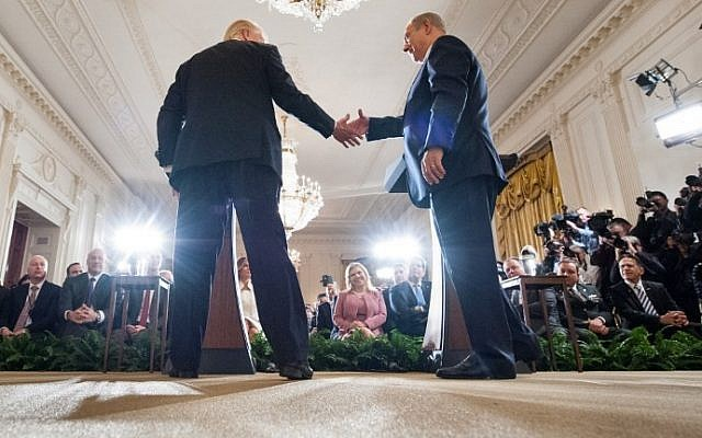 US President Donald Trump (L) and Israeli Prime Minister Benjamin Netanyahu hold a joint press conference in the East Room of the White House in Washington, DC, February 15, 2017. (AFP PHOTO / MANDEL NGAN)