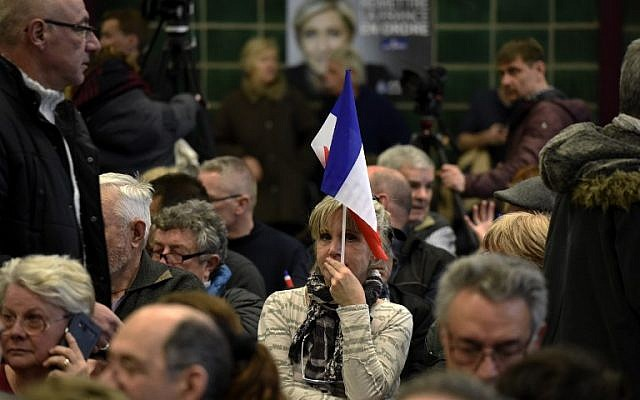 Supporters of French presidential election candidate for the far-right Front National (FN) party Marine Le Pen attend a public rally in Pierrelatte, central eastern France, February 24, 2017. (AFP Photo/Jean Phillipe Kziazek)
