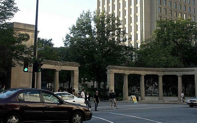 The Roddick Gates, the main entrance to McGill University. (CC BY-SA 3.0 Gene.arboit / Wikipedia)