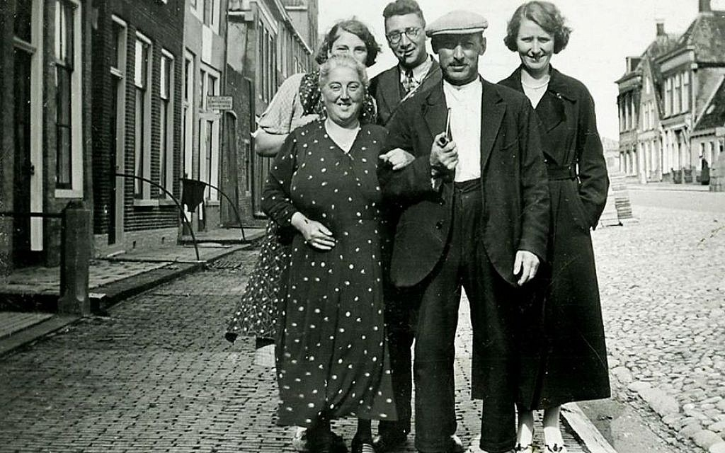 The Boas-Pais family, who perished in the Holocaust, in front of their home in the Frisian city of Harlingen, the Netherlands, before World War II. (Courtesy of the Annehuis ter Harlingen/via JTA)