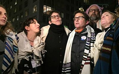 Rabbis protest the Trump Administration's refugee ban in New York, February 6, 2017. (Gili Getz)