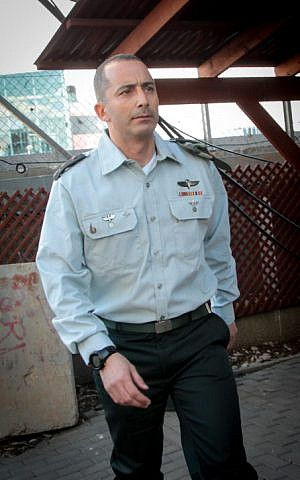 IDF Kfir Brigade commander Col. Guy Hazut arrives to testify at a sentencing hearing for Sgt. Elior Azaria, who was convicted of manslaughter for shooting dead a disarmed and wounded Palestinian assailant, at a military court in Tel Aviv on January 31, 2017. (Roy Alima/FLASH90)