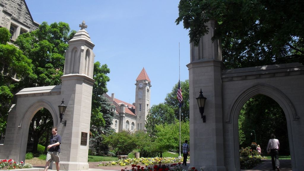 How to get money in indiana university bloomington