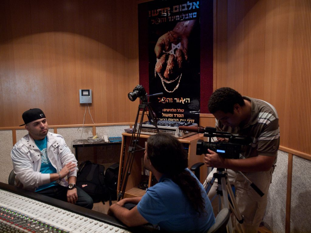 Igal Hecht and Lior Cohen interviewing Subliminal for the film 'Muzika' in 2013. (Photo taken by Ziv Kenet)