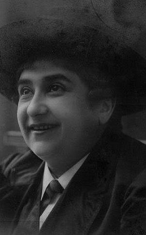 No one was safe from Pepi Littman's lampooning, as her Hasidic-crossdressing act proved. (Steve Lasky, Museum of Family History, Museum of the Yiddish Theatre)