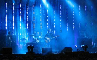 Radiohead playing at the Coachella music festival in 2004. (CC BY SA, Wikipedia)