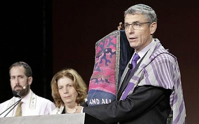 Rabbi Rick Jacobs, the Union for Reform Judaism president, speaking at the movement's biennial conference in Orlando, Florida, November 7, 2015. (Courtesy URJ)