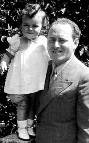 Walter Suskind and his daughter. During the Holocaust, Suskind helped save more than 500 Jewish children bound for deportation from Amsterdam. (Public domain)