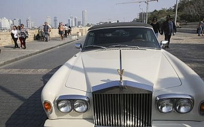 A Rolls Royce car parked at the Tel Aviv-Jaffo port, on November 15, 2014. (Nati SHohat/FLASH90)