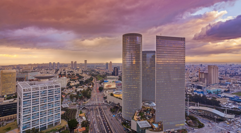 View of Tel Aviv at sunset (istock-slidezero_com)