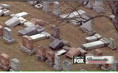 Video still of vandalized headstones in Chesed Shel Emeth Society cemetery in St. Louis, February 20, 2017. (Screen capture: FOX2NEWS via JTA)