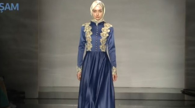 Kanye West Puts Hijab Wearing Model On Catwalk The Times
