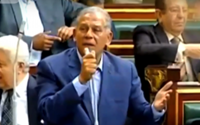 Mohamed Anwar Sadat speaking in the Egyptian parliament. (Screen capture: YouTube)