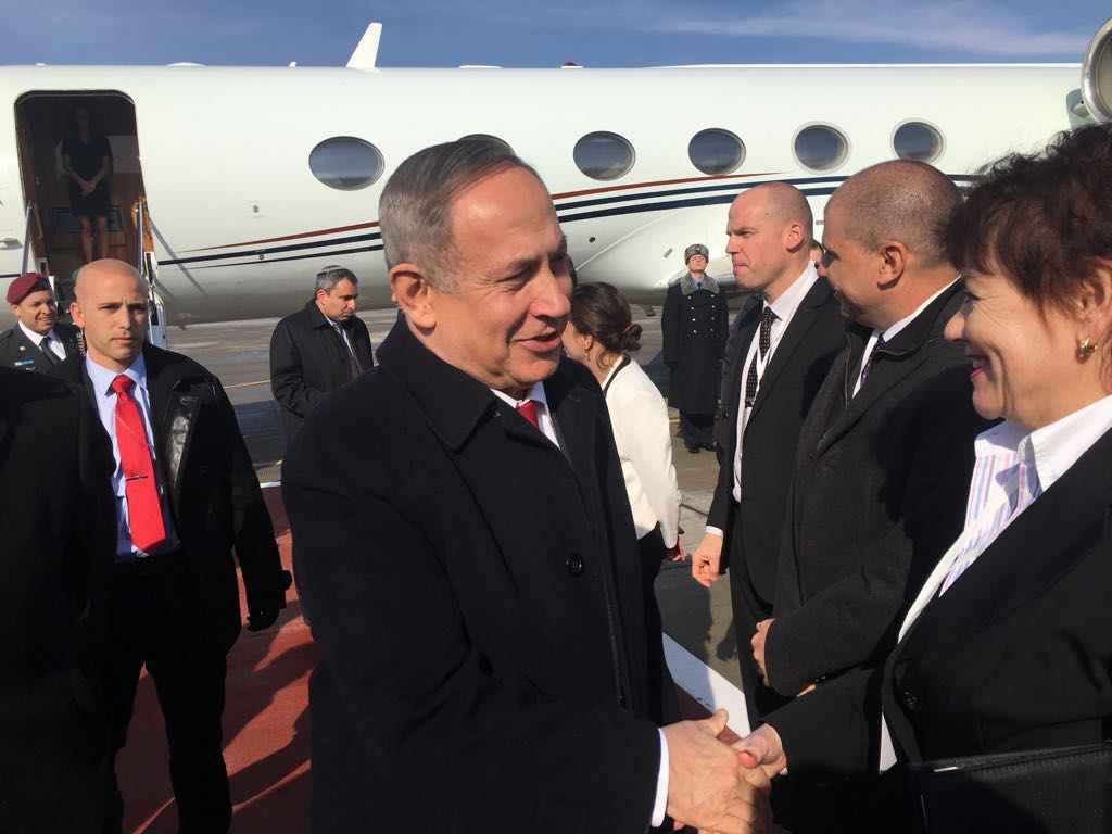 PM Netanyahu arrives at Moscow airport ahead of a meeting with President Putin of Russia, March 9, 2016 (courtesy)