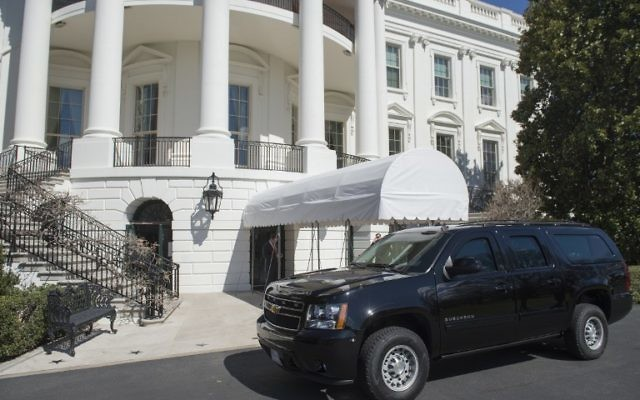 A SUV is parked outside of the South Portico on the South Lawn of the White House in Washington, DC, March 11, 2017 after a man carrying a backpack was arrested Friday night after breaching security at the White House. (AFP/Saul Loeb)