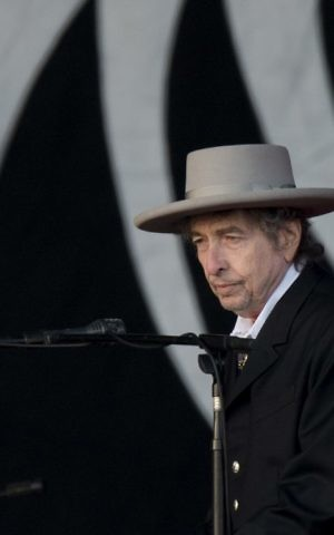 This file photo taken on June 30, 2012 shows US musician Bob Dylan performing during the second day of the Hop Farm music festival in Paddock Wood, Kentucky. (AFP Photo/Ben Stansall)