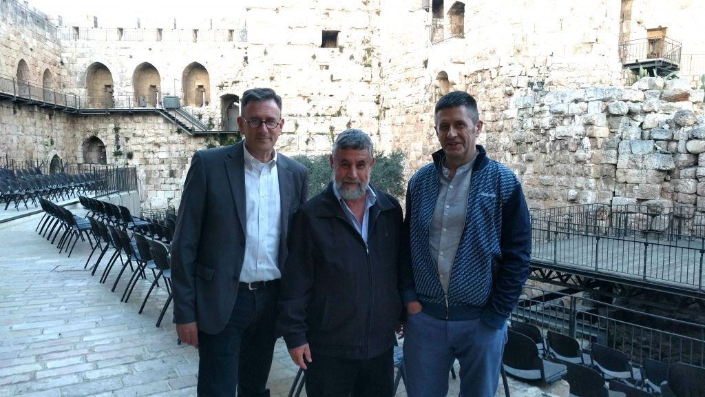 From left, moderator Matthew Kalman, Mishka Ben-David, and Adam LeBor at Jerusalem's Tower of David during the March 28, 2017 Times of Israel Presents event. (Yaakov Schwartz/Times of Israel)