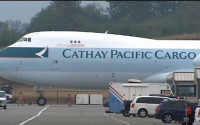 A depiction of a Cathay Pacific AirlinesBoeing 747-8F. (Screen capture/YouTube)
