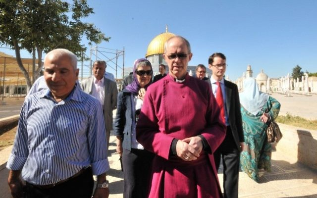 Archbishop of Canterbury and head of the Church of England Justin Welby, center, visits the Dome of the Rock shrine in Jerusalem's Old City, on June 27, 2013 (Sliman Khader/Flash90)