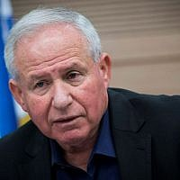 Likud MK Avi Dichter leads a Knesset Foreign Affairs and Defense Committee meeting at the Knesset, on February 22, 2017. (Yonatan Sindel/Flash90)