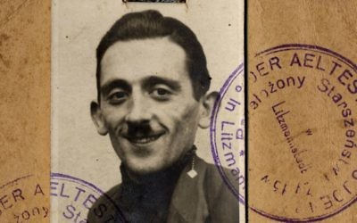 Henryk Ross's Litzmannstadt Ghetto identification card. (Art Gallery of Ontario, gift from the Archive of Modern Conflict/Courtesy Museum of Fine Arts)