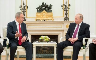 Prime Minister Benjamin Netanyahu (left) meets with Russian President Vladimir Putin in Moscow on March 9, 2017 (Israel embassy in Moscow)
