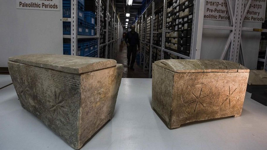 "Ossuaries with inscriptions with Hebrew letters forming the word ""Yeshua"", or Jesus, are stored in Israel's antiquities authority storeroom, in Beit Shemesh, Israel, Sunday, March 19, 2017. (AP Photo/Tsafrir Abayov)"