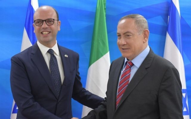 Prime Minister Benjamin Netanyahu (right) meets with Italian Foreign Minister Angelino Alfano in Jerusalem, March 15, 2017. (Amos Ben-Gershom/GPO)