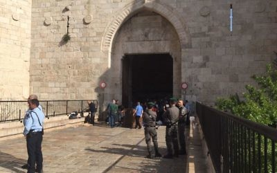 Police respond to an attempted stabbing at Damascus Gate in Jerusalem's Old City on March 29, 2017. (Israel Police)