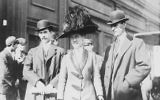 Orville (L), Katharine and Wilbur Wright, 1909. (Photo: Bain Collection/Library of Congress)
