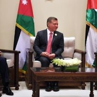 On the sidelines of the 28th Arab League Summit on March 29, 2017, Palestinian Authority President Mahmoud Abbas (R) meets with King Abdullah II of Jordan (C) and Egyptian President Abdel-Fattah el-Sissi. (Wafa/Thaer Ghnaim)