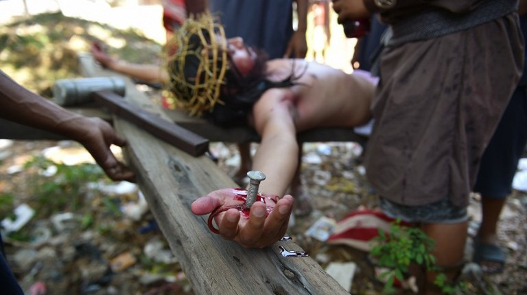 Extreme religious acts mark Good Friday in the Philippines | The ...