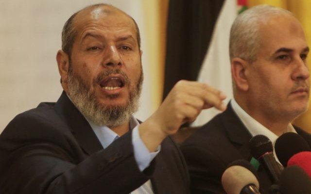 Senior Hamas leader Khalil al-Haya holds a press conference on April 18, 2017 in Gaza City. (AFP Photo/Mahmud Hams)