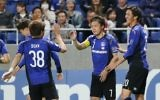 Japan's Gamba Osaka midfielder Ritsu Doan (L) celebrates his goal against Australia's Adelaide United during the AFC Champions League soccer match at Suita Stadium in Osaka prefecture on April 25, 2017. (AFP/Jiji Press/STR)
