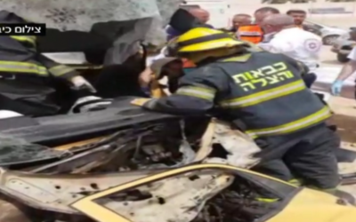 First responders at the scene of a fatal crash in southern Israel on April 12, 2017. (Screen capture: Channel 2)
