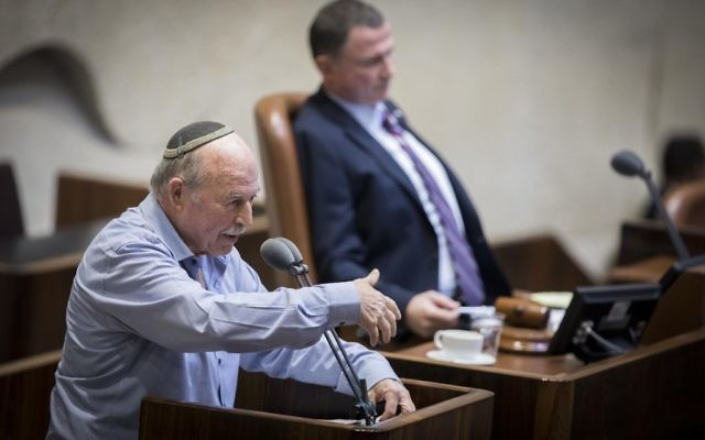 Jewish Home MK Nissan Slomiansky, left, addresses the Knesset in Jerusalem, February 06, 2017. (Yonatan Sindel/Flash90)