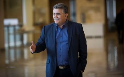 MK Amir Peretz arrives to a Defense and Foreign Affairs Committee meeting at the Knesset on March 20, 2017. (Yonatan Sindel/Flash90)