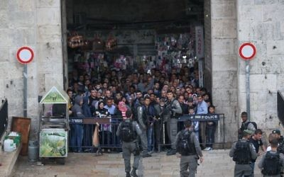 Security forces at the Damascus Gate in Jerusalem's Old City after a stabbing attack in which three people were injured and the assailant was shot dead by police, on April 1, 2017. (Yonatan Sindel/Flash90)