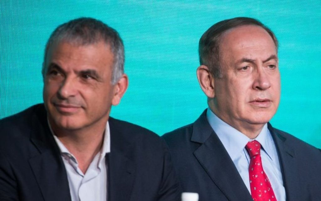 Finance Minister Moshe Kahlon (L) and Prime Minister Benjamin Netanyahu at a signing ceremony for an agreement to build thousands of new apartments in the ultra orthodox neighborhood of Ramat Beit Shemesh, April 3, 2017. (Photo by Hadas Parush/Flash90)