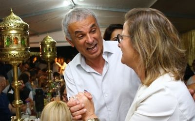 Finance Minister Moshe Kahlon attends a Jewish Moroccan celebration of Mimuna in the southern city of Ashkelon, on April 17, 2017 (Flash90)