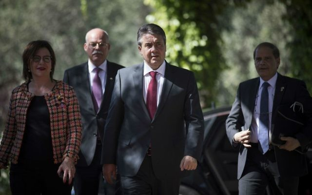 German Foreign Minister Sigmar Gabriel arrives for a meeting with President Reuven Rivlin at the President's Residence in Jerusalem on April 25, 2017. (Yonatan Sindel/Flash90)