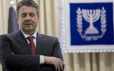 German Foreign Minister Sigmar Gabriel before his meeting with Israeli President Reuven Rivlin at the President's Residence in Jerusalem, April 25, 2017. /Yonatan Sindel/Flash90)