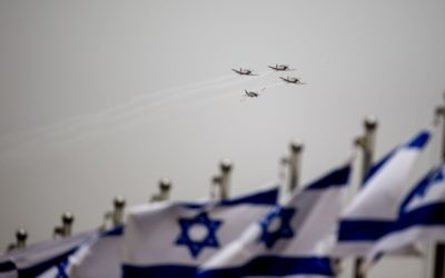 Ahead of the upcoming 69th Independence Day celebrations, Israeli Air Force aircraft fly during training over Jerusalem, April 26, 2015. (Yonatan Sindel/Flash90)