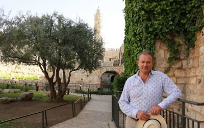 Hugh Bonneville in the Tower of David Museum garden during his two-week visit in Israel to film a show about Jesus, April, 2017 (Courtesy Tower of David Museum)