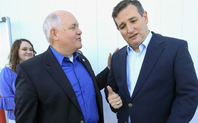 Kansas 4th District congressional candidate Ron Estes, left, thanks Texas Sen. Ted Cruz, right, who came to Wichita to campaign for Estes the day before a special election, at Yingling Aviation, Monday, April 10, 2017, in Wichita, Kansas. (Fernando Salazar/The Wichita Eagle via AP)