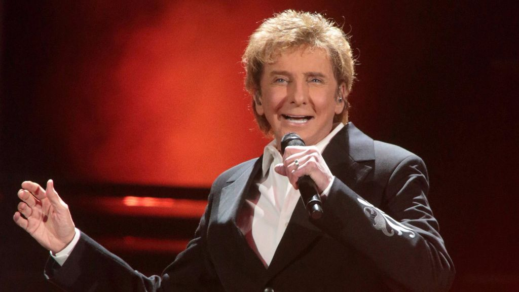 Barry Manilow comes out of the closet | The Times of Israel